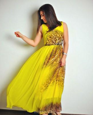Женщина с неславянской внешностью - Br2YSFiU8rA.jpg
