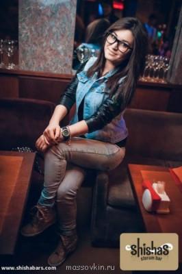 Женщина с неславянской внешностью - nZUevnpapGo.jpg