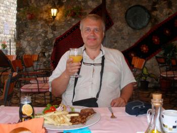 В ресторане - kino2.png