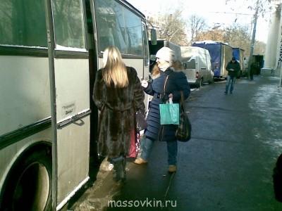 На Гоголевском странное исскуство созерцали - Ира нач. 04032013(001).jpg